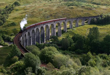 2007-08-17.050.Skotland.Glenfinnan-viadukten.Damptog.PS