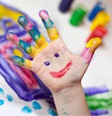 fingerpainting_smiley_hand