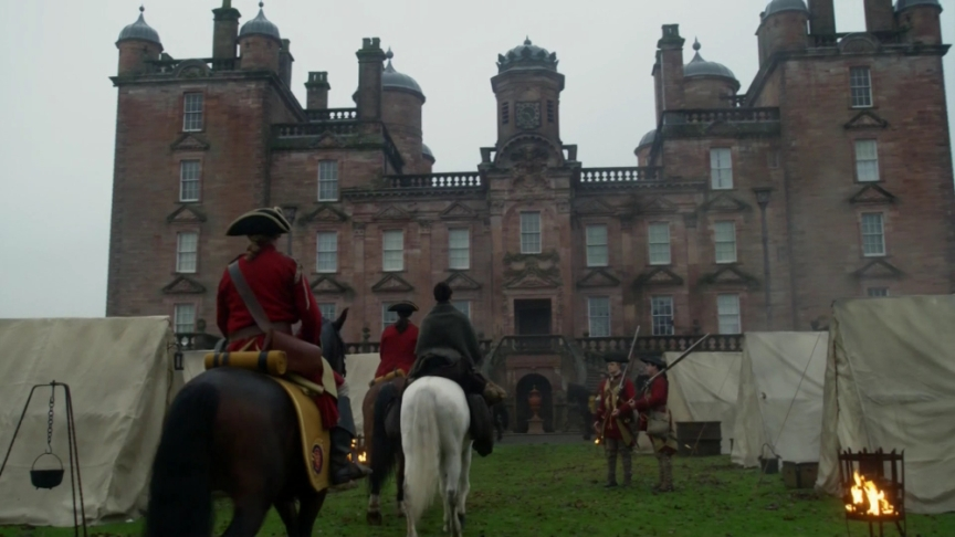 Claire and redcoat arrive at Bellmont Estate. Image by STARZ/Sony Pictures Television, via Outlander-Online.com