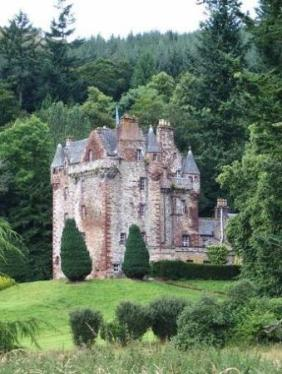 castle-leod_east-view_tripadvisor_user-pic