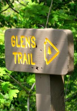 IMG_1765_glens-trail-sign